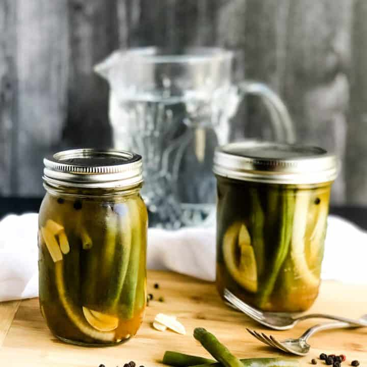 Quick Pickled Green Beans with a Spicy Ginger Brine